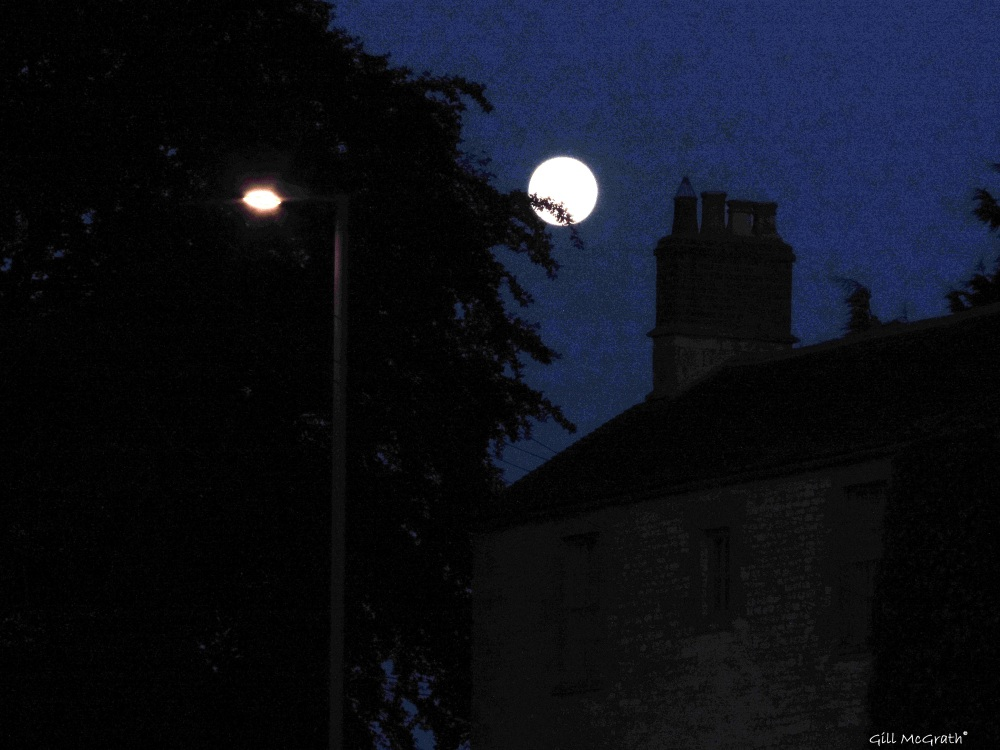 2014 06 13 Lamp playing shy with the moon jpg sig