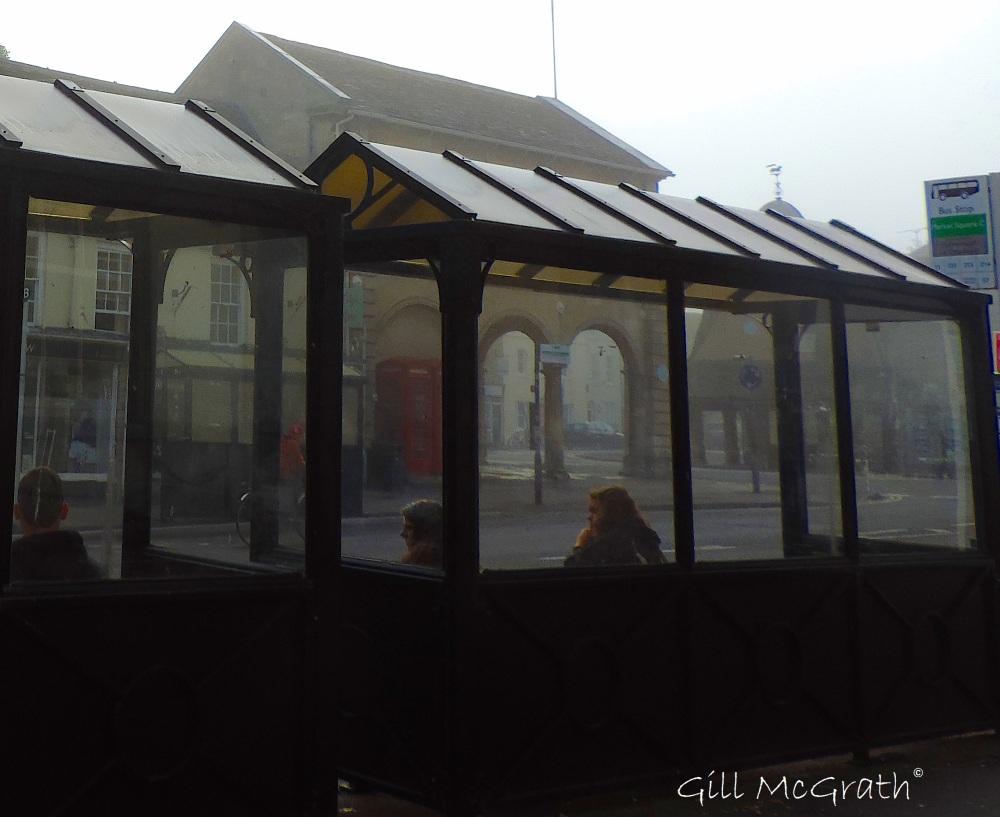 2015 10 15 bus stop waiting DSCN6327_1.jpg sig